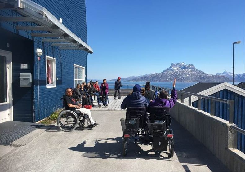 Plejehjem og ældrekollektiver tillader igen besøg – med omtanke