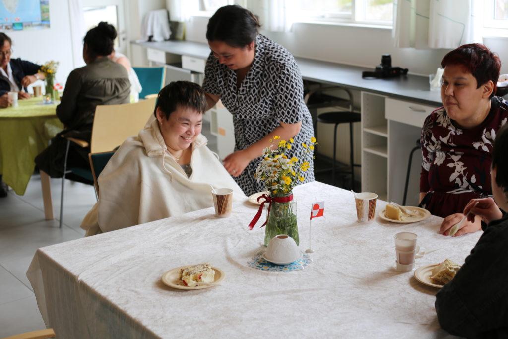 Kammagiit-jubilæum fejret med kaffe, kage og fiskestænger
