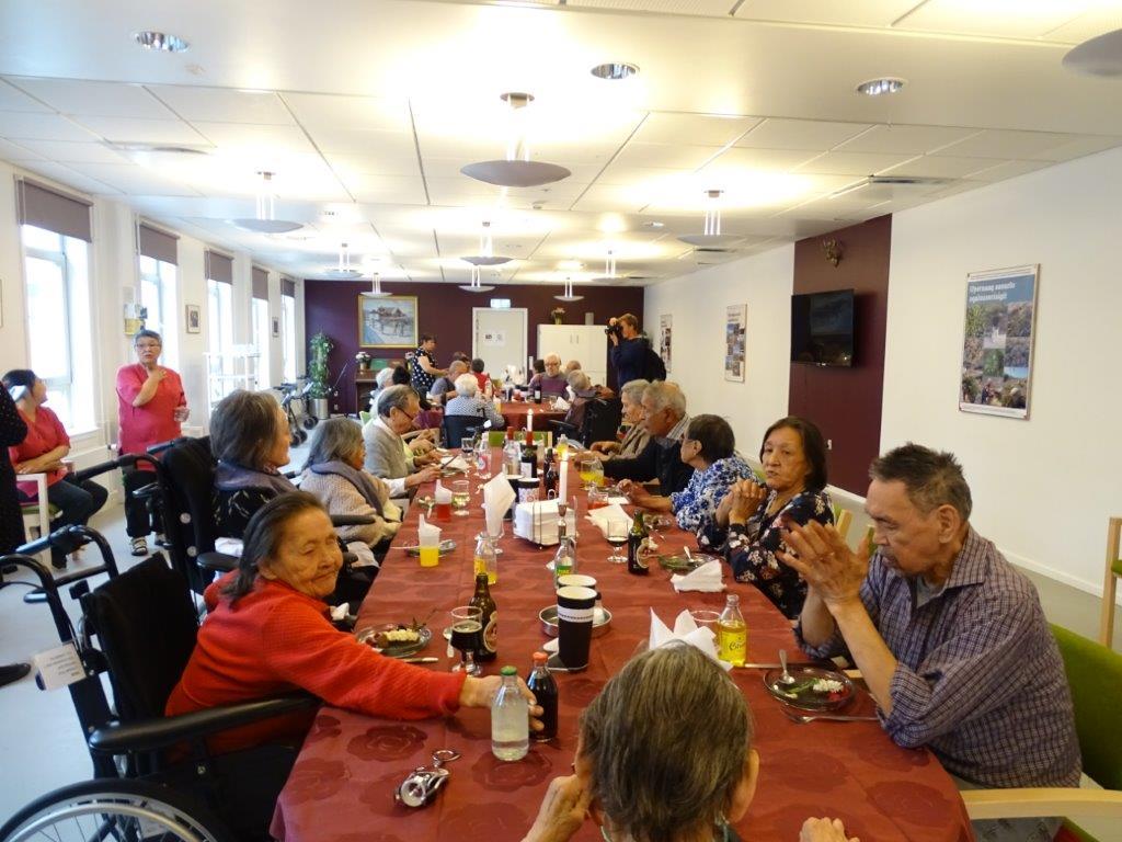 Tre gange højt hurra for den nye spisestue i Nuuks alderdomshjem